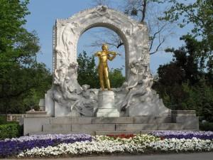 Wien - Stadtpark mit Johann Strauß (Sohn) Denkmal